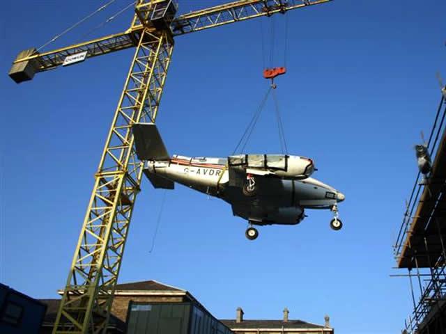 aircraft crane